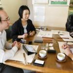 中日新聞の取材を受けました 正しい箸の持ち方が身につく子どもの三角箸