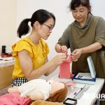 手縫いで簡単! ウォルドルフ人形C体用洋服作り教室を開催しました♪